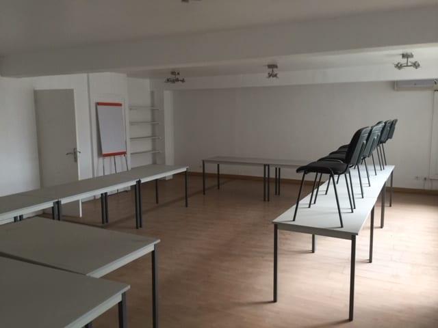 Location Bureaux 300 m² – A louer Zone Industrielle de Vitrolles