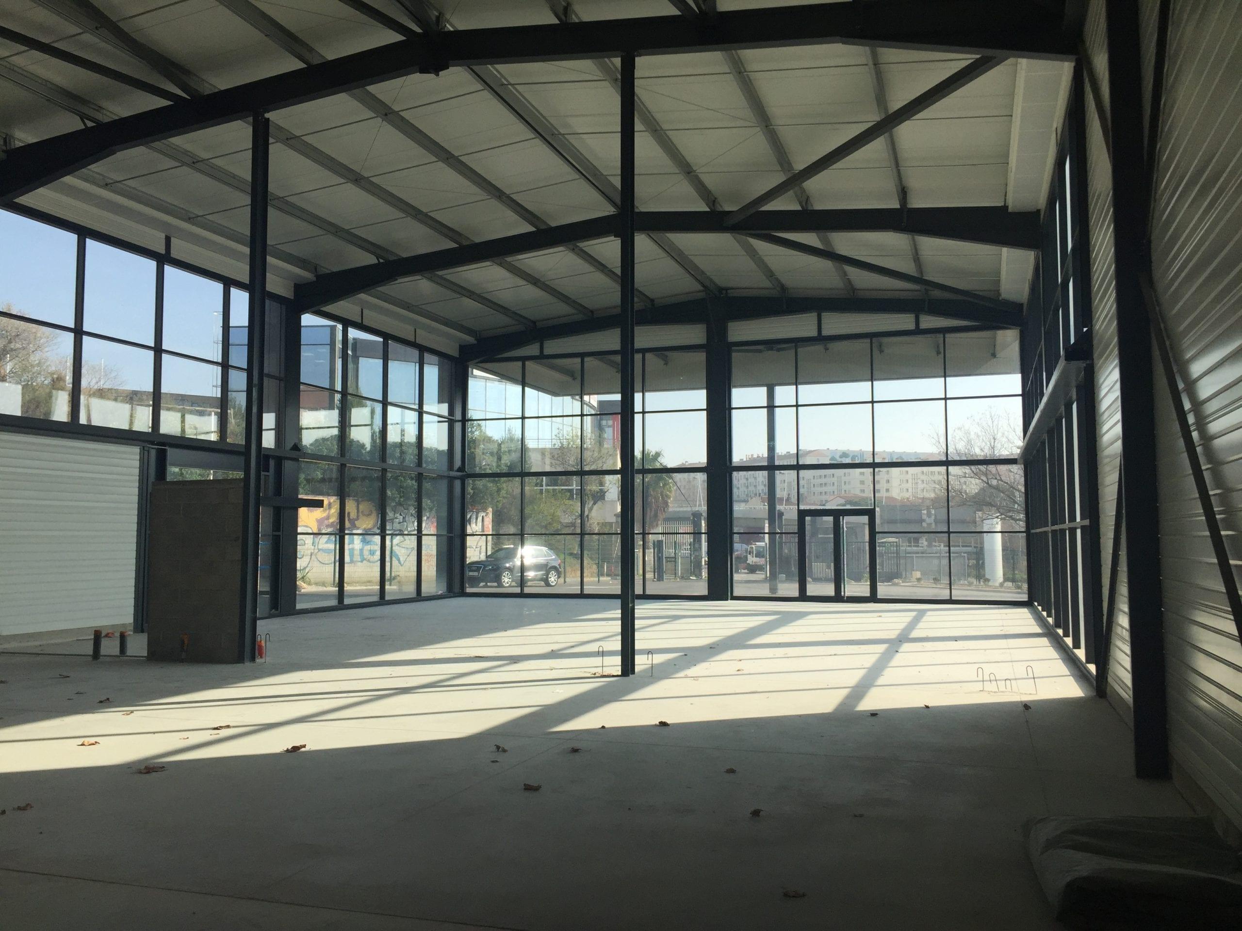 Vente Bâtiment Activité/commercial 1000m²/ 3500 m²- A vendre Marseille 13014 Plombières