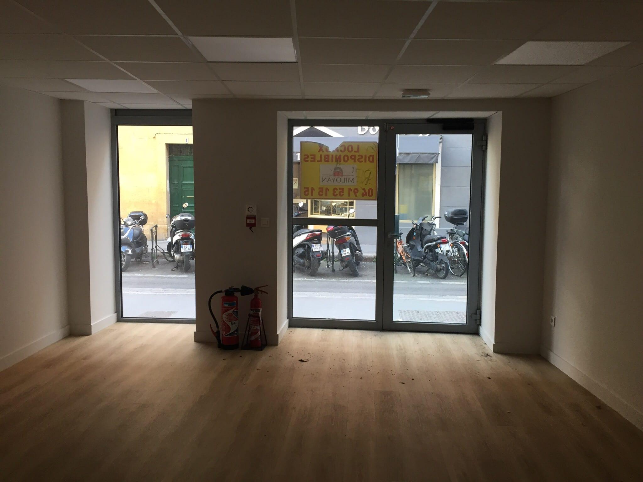 Location local commercial 27 m² – A louer Aix en Provence Centre